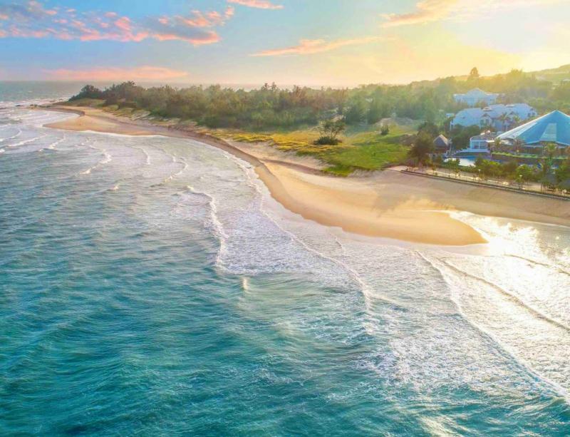 Hồ Tràm là khu vực bãi biển hoang sơ nằm giữa Long Hải và Bình Châu