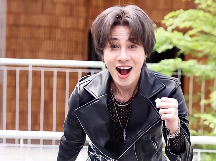 Jack vẫn 'bỏ túi' tiền khủng từ YouTube sau scandal tình cảm với hot girl Thiên An