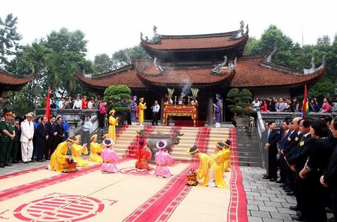 Nghi lễ dâng Hương tại Lễ hỗi Đền Hùng