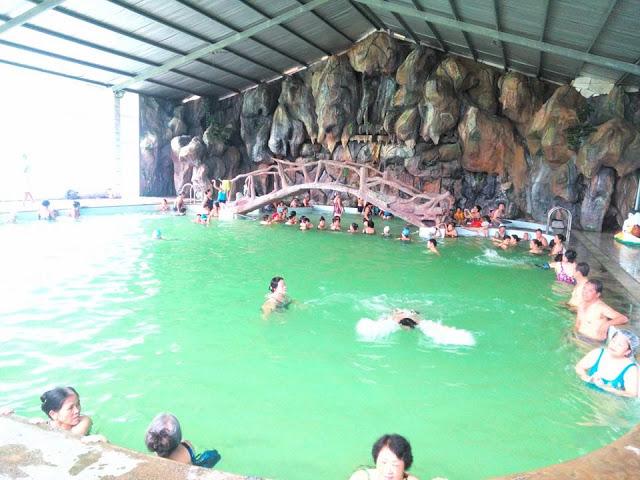Trải nghiệm tắm suối khoáng nóng