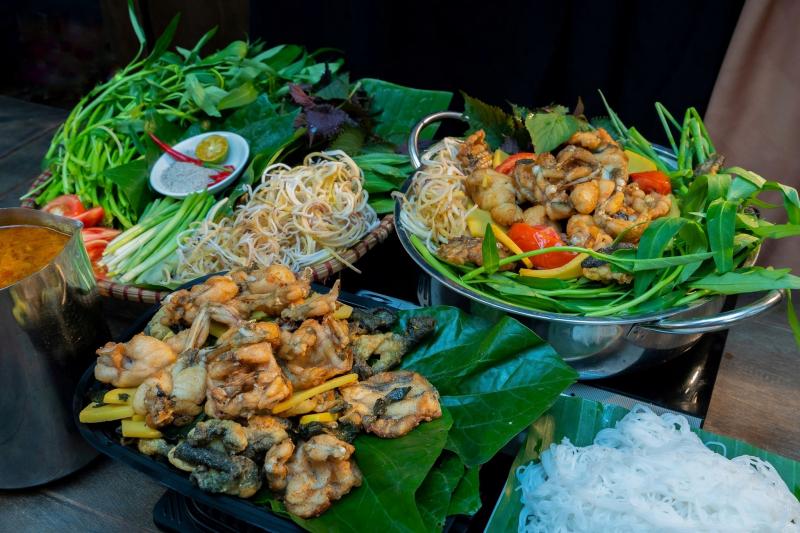 Lẩu ếch - Nhà hàng Tam Gia Trang