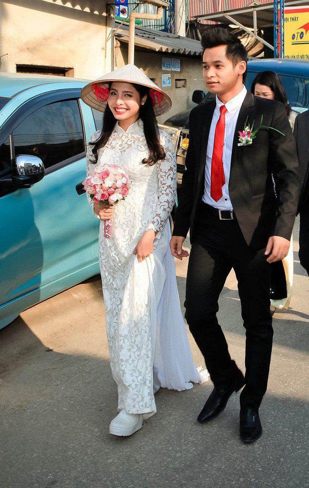 """Chọn vợ chuẩn như streamer Việt: """"Phu nhân"""" tài sắc vẹn toàn!"""