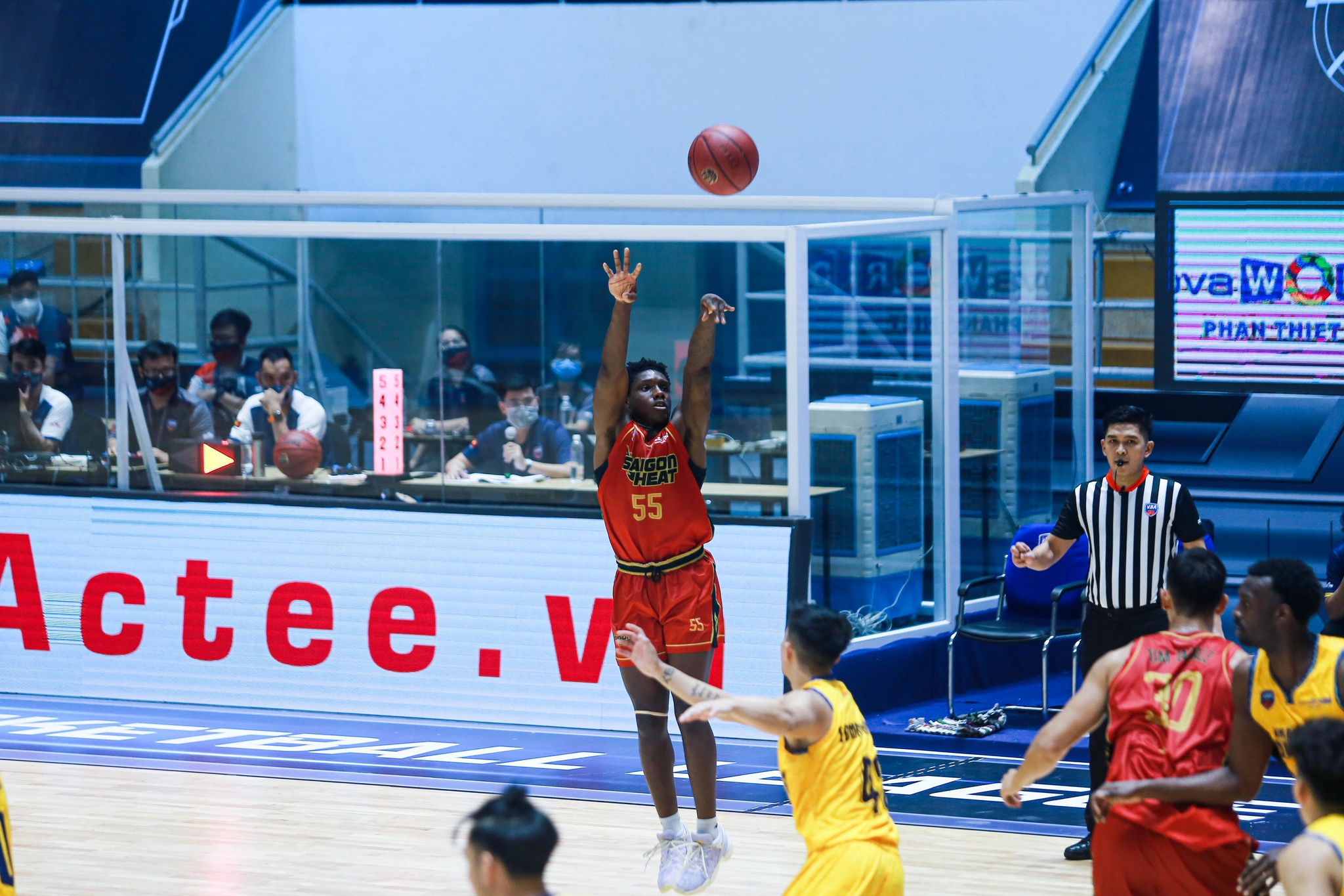 Saigon Heat ngược dòng thắng trận mở màn VBA Premier Bubble Games