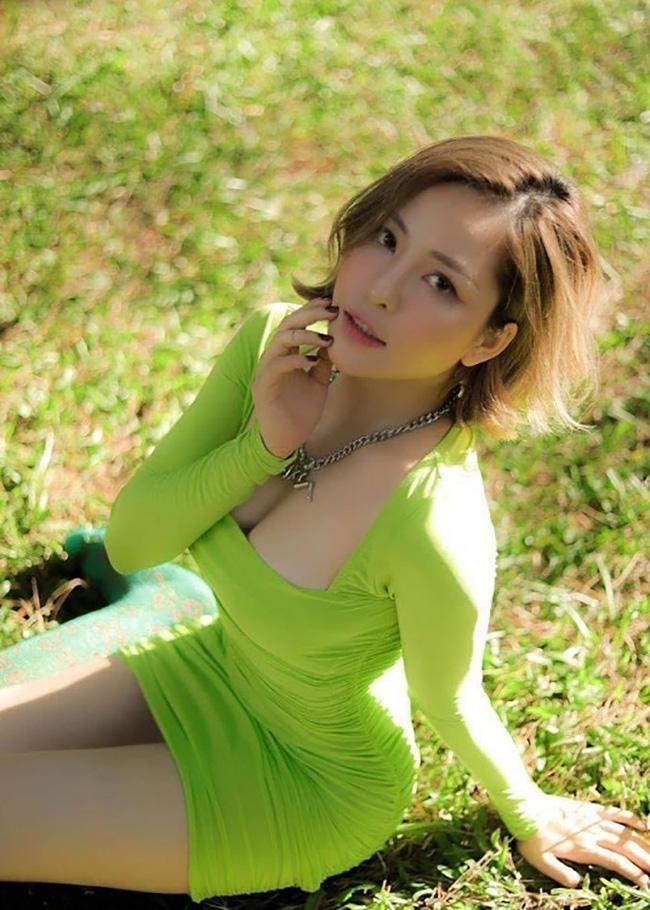 Hot girl Trâm Anh ngày càng đẹp rực rỡ nhờ yêu