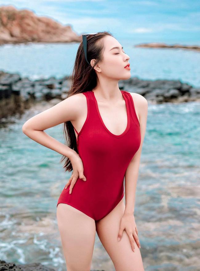 """Hot girl Cà Mau, Phú Yên lột xác trở nên gợi cảm vì bị chê là """"cục thịt mỡ vĩ đại"""""""